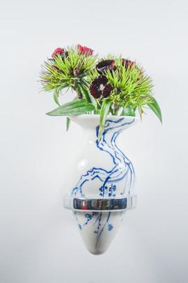 Not Buttplug/ Non-standable Vase, Four Gentlemen (Plum Blossom)