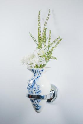 Not Buttplug/ Non-standable Vase, Four Gentlemen (Chrysanthemum)