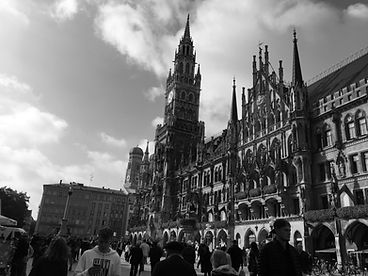 München_Rathaus_2_SW.jpeg