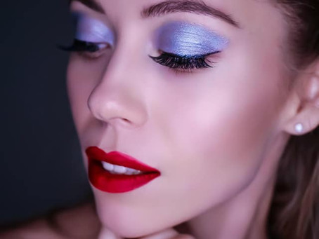 Holiday Makeup Look to Rock All December Long