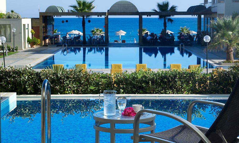 4.-imperial-room-private-pool-1.jpg