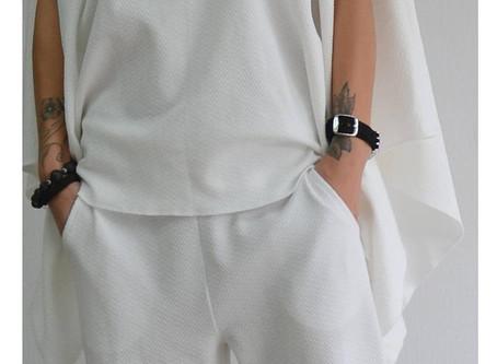 Женский костюм ручной работы для прогулок и отдыха.