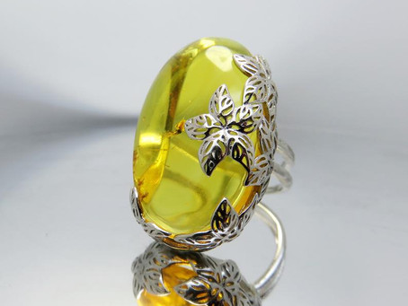 What is the benefit of amber jewelry