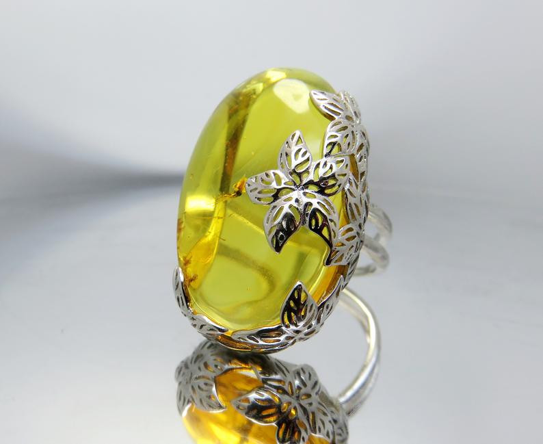 Amber, products from amber, OvLGroup, jewelry, jewels,