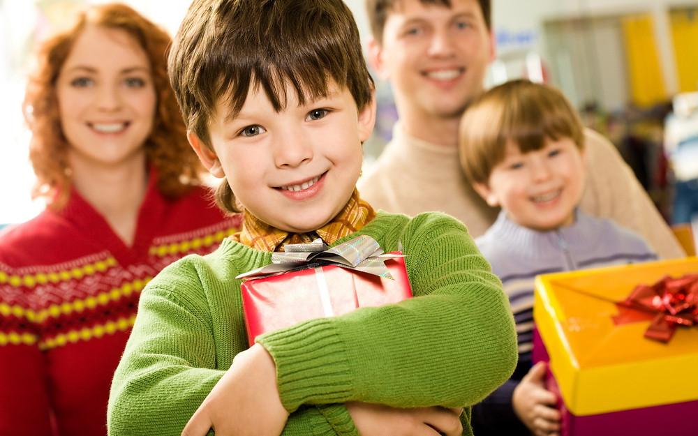 дарить подарки, что подарить на праздник, сделать лучший подарок для любимой, OvLGroup, делать подарки,