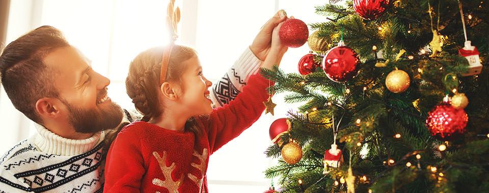 Cómo decorar correctamente un árbol de Navidad, el ambiente navideño, OvLGroup,