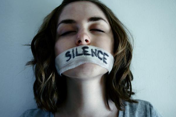 тишина, не говори ,говори что от тебя требуют , раб тишины,
