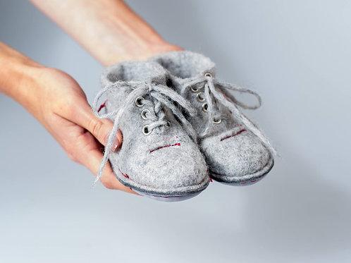 детские пинетки ручной работы, купить детские тапочки, обувь ребёнку, агентство OvLGroup,