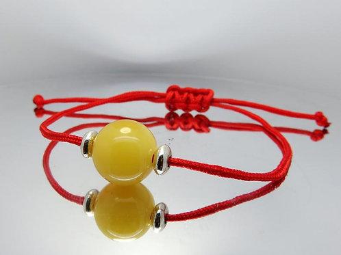 Браслет из красной нити с янтарной бусиной | Ручная работа | Литва