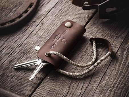 Ключница изготовленная вручную может сильно отличаться  от той, что изготовлена на производстве