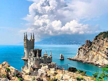 Почему приходиться отдыхать на российских курортах летом 2020 без большого желания