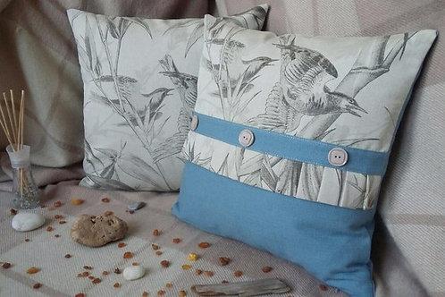 Комплект из 2х подушек с птичками ручной работы мастера Надежды Карташовой.