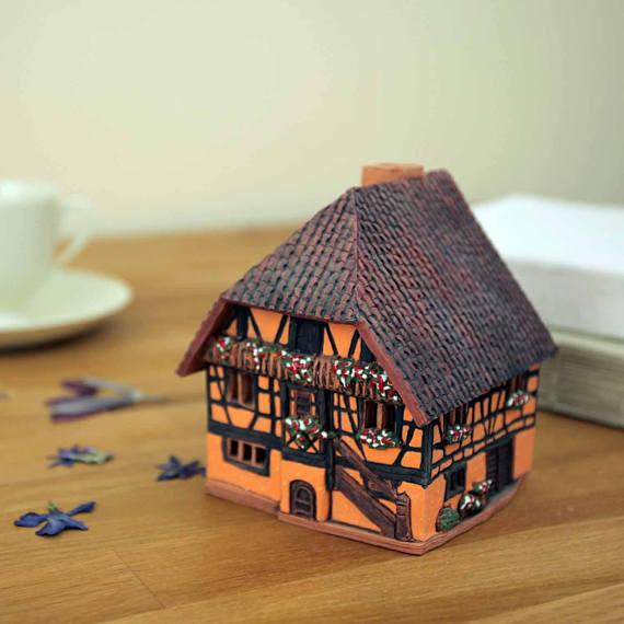 купить авторскую керамику, глиняный домик ручной работы купить, агентство OvLGroup,