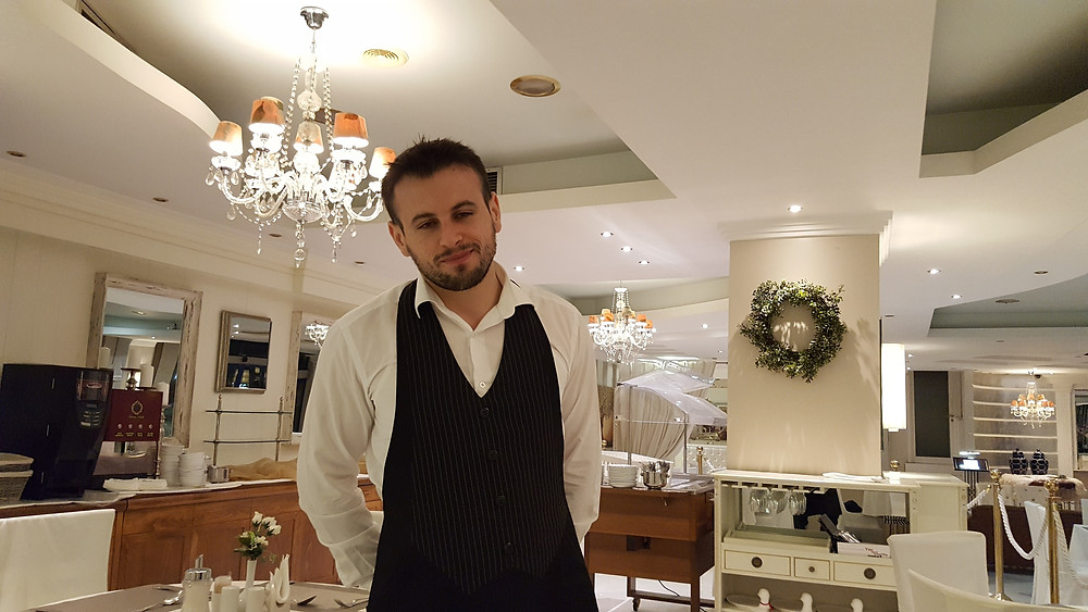 Официант в ресторане,Греция , отель,OvLGroup,