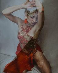 📸 _mimicheriephotography ♡ 🖼 _noctis_legato _#sensual #body #expression #blonde #curls #
