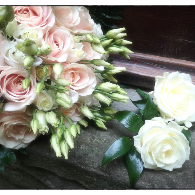 Bridal boquet and buttonieres