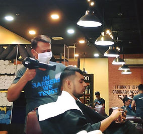 Macho Mucho Barber Shop Franchise Guests