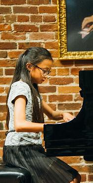 HOME_Piano_prog _Cjpg.jpg