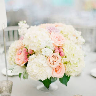 white hydrangeas blush roses, peach roses