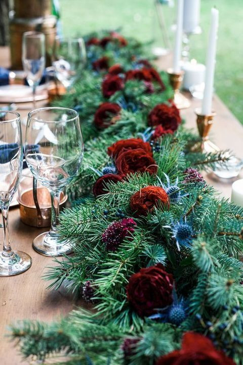 Happy holidays with Chic Flowers and events (flower garlands as a unique complement to your christma
