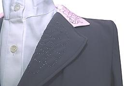 collo-ricamo-giacca