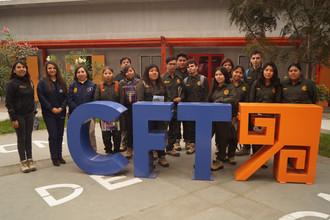 Estudiantes del Liceo de Pica visitaron el campus Las Acacias