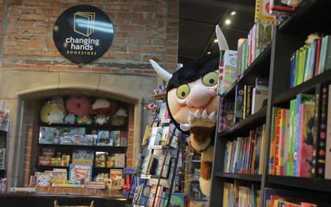 Bookstore Revises the Plot