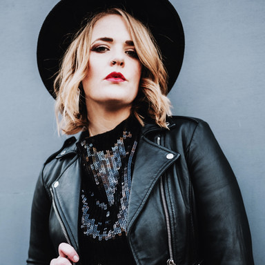 Elles Bailey (Award Winning Blues Singer)