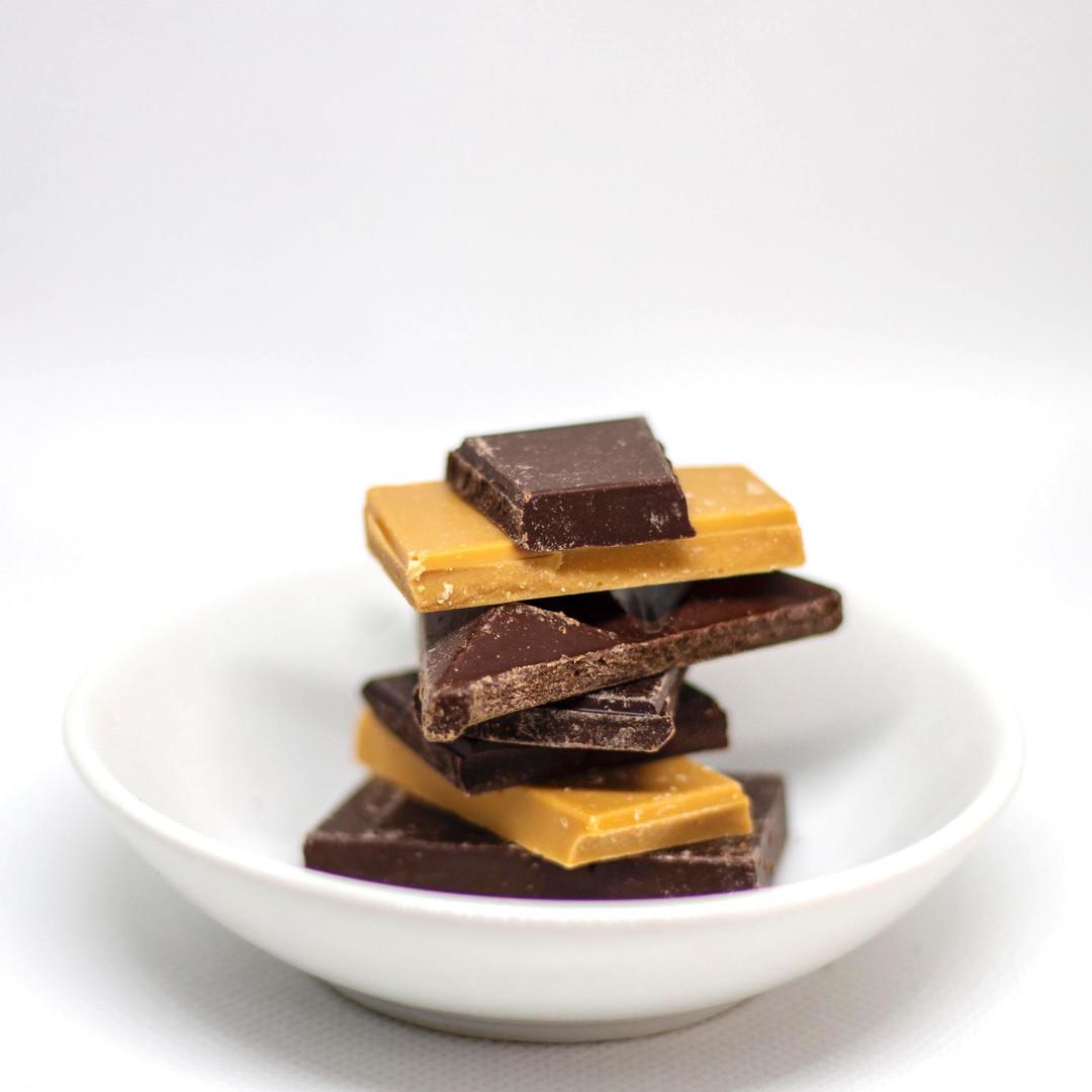 chocolate-valrhona-dulcey-blond-michel-cluizel-dark