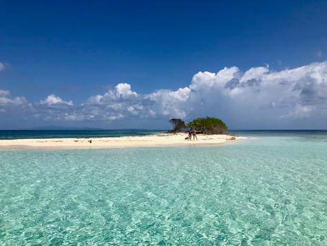 Nadando en una de las aguas más cristalinas del mundo | Pigeon Cay, Roatán