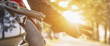 Bikergruss – was steckt dahinter?