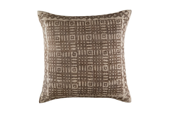 Oscar Cushion - Chestnut