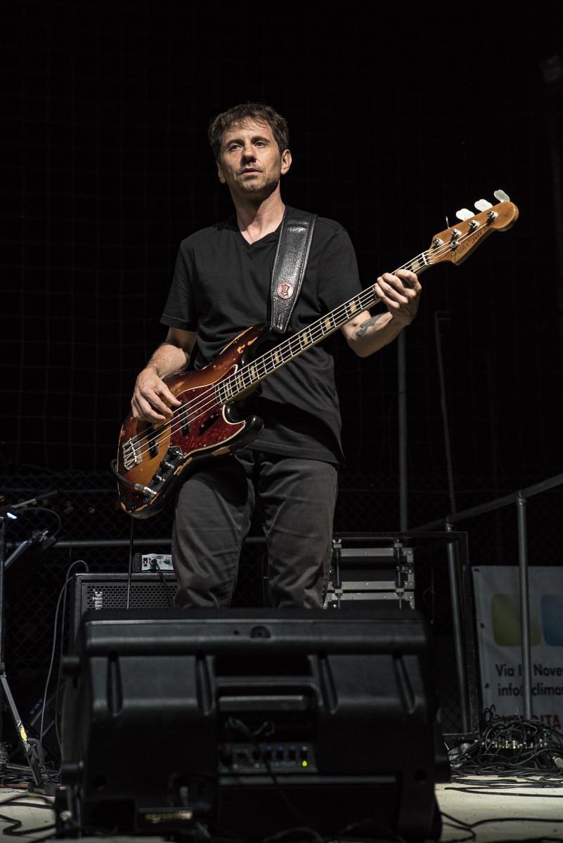 Fabio Fraschini durante un esibizione con la Rino Gaetano Tribute Band - Tavarnelle di Cortona