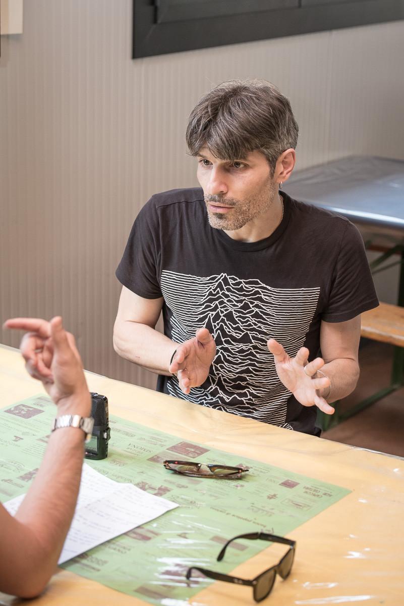 Alessandro Gaetano durante l'intervista di Sacha Tellini