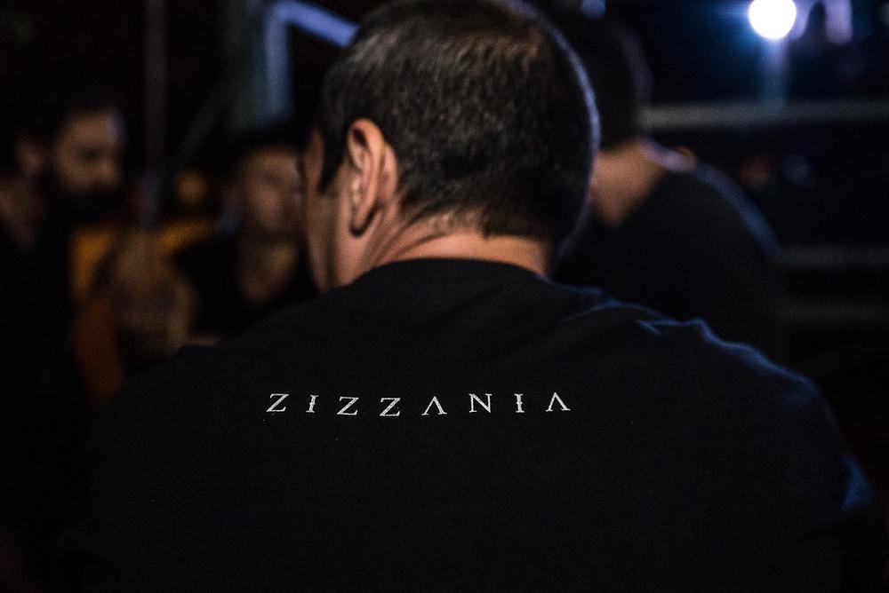 La t-shirt ufficiale della band Zizzania