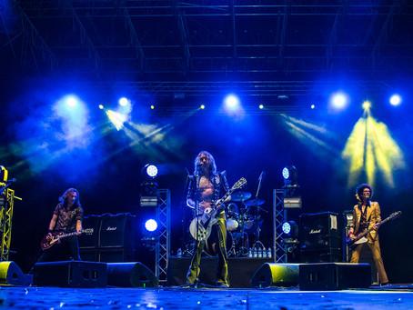 Un evento elegantemente metal: il racconto del live dei The Darkness a Settembre Prato è spettacolo