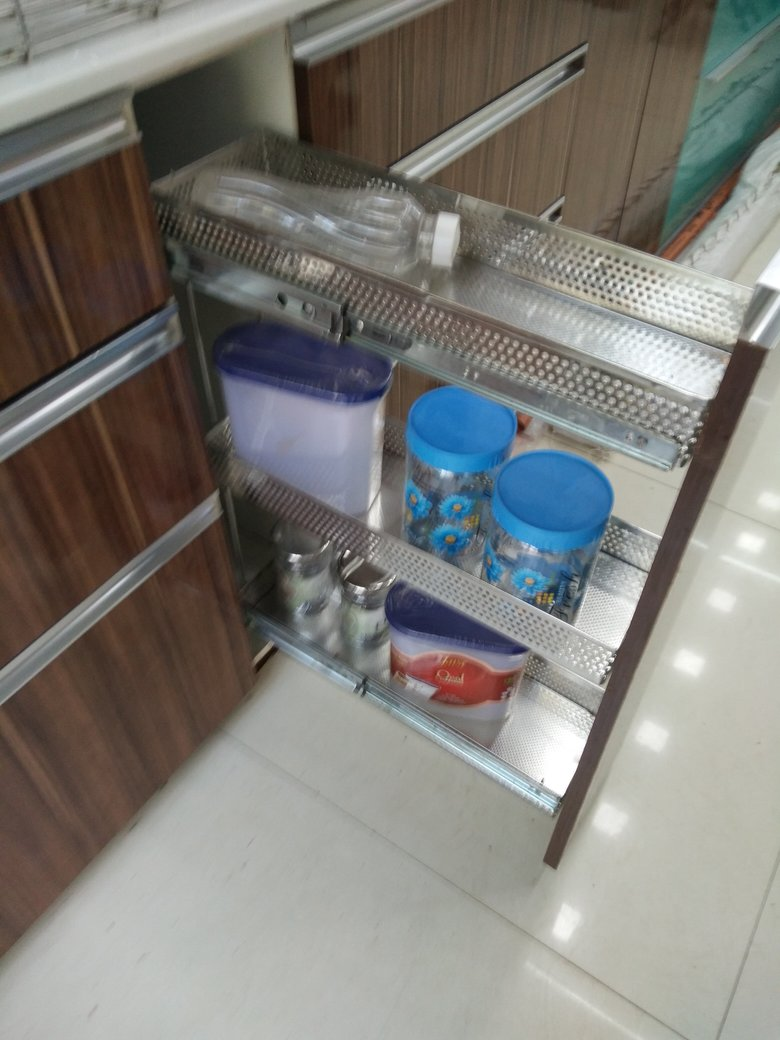 kitchen__pull_out_trolley.jpg