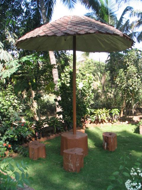 garden seatout area.JPG