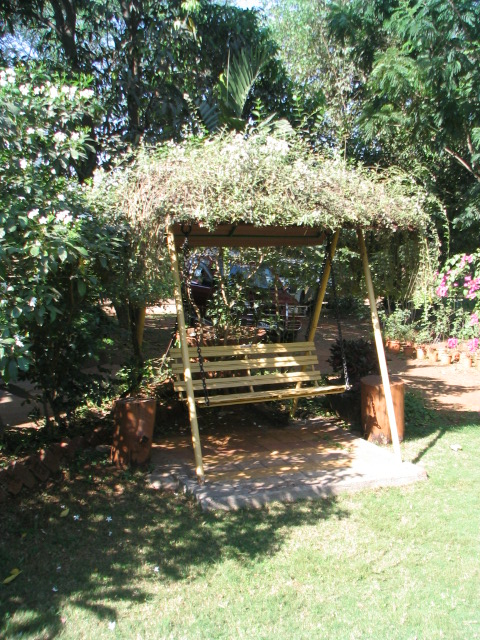 garden seating.JPG