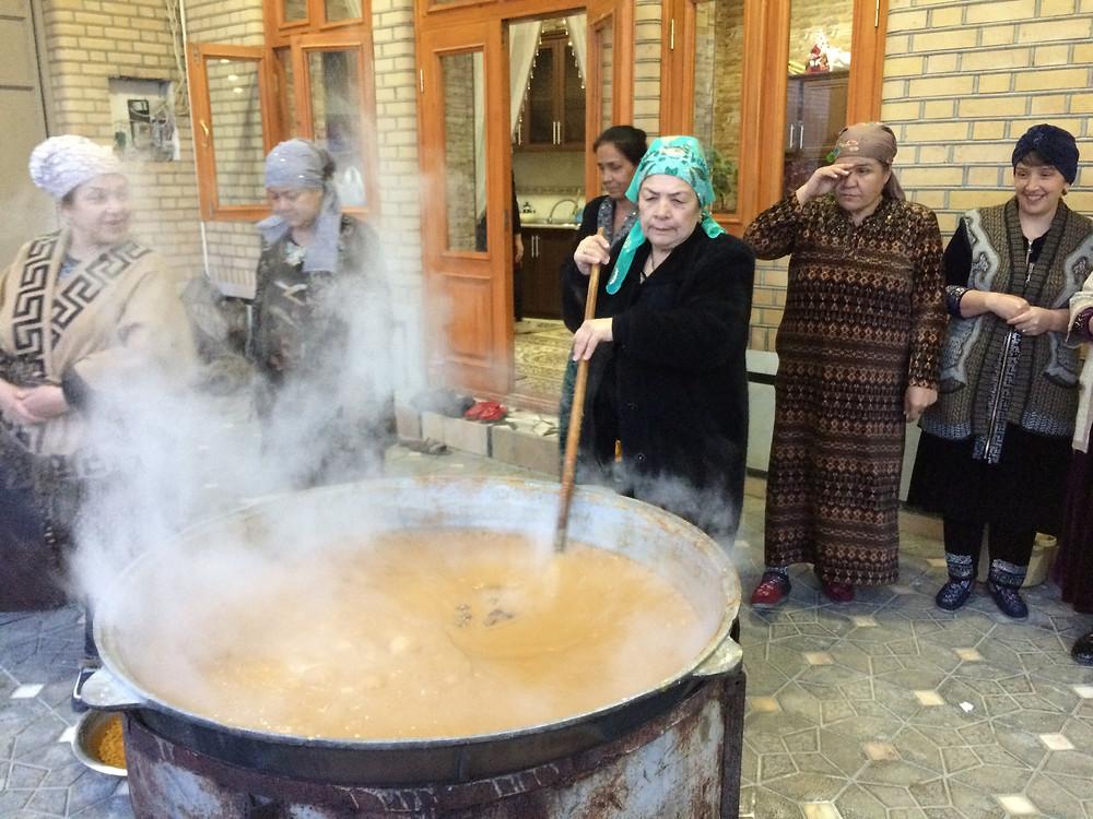 sumalak_preparation_uzbekistan