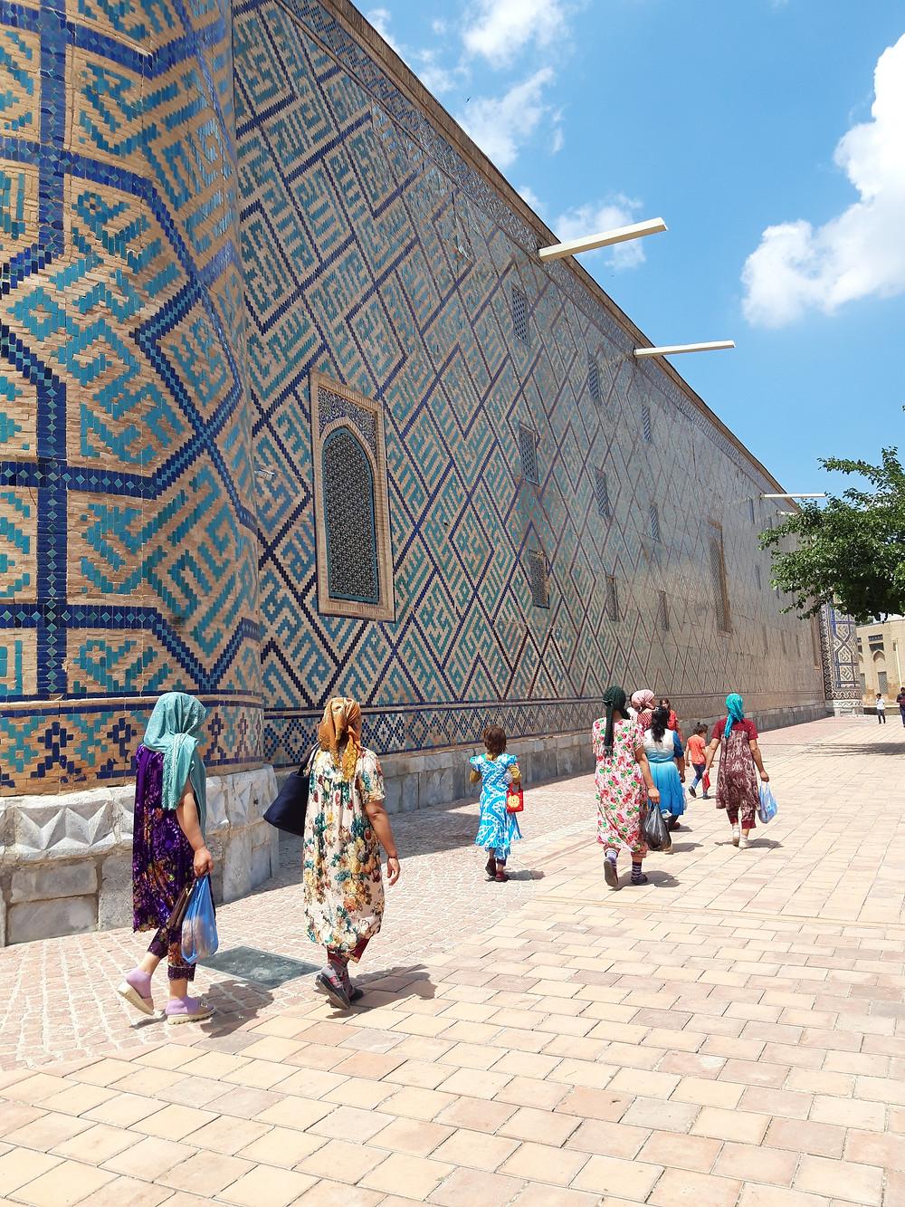 women_clothes_uzbekistan