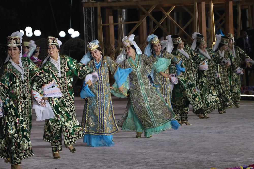 handicrafters_festival_bukhara_dancers