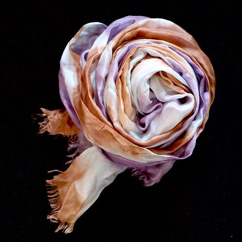 weicher Seidenschal Batik violett, braun und weiss