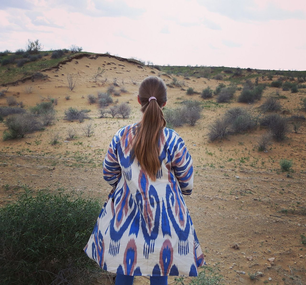 kyzylkum_desert_woman