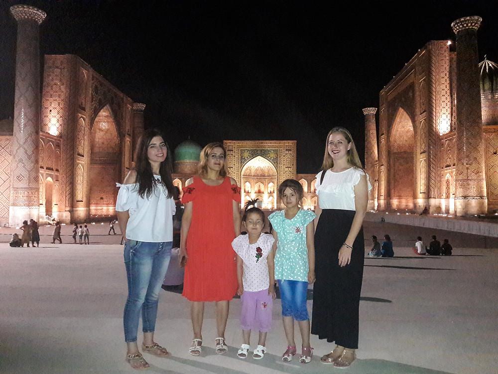 Registan_bei_Nacht_Familie