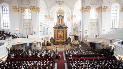Ein Wunsch wird wahr: Die Trauerfeier für Jan Fedder wird in der Hamburger Hauptkirche St. Michaelis stattfinden.