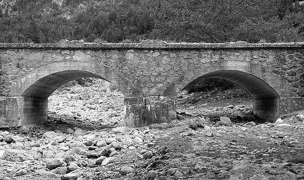 old-bridge-1251039_640.jpg