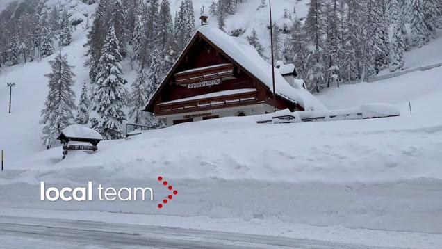 Viel Schnee am Alpenpass: Das Staulanza-Gasthaus ist eingeschneit