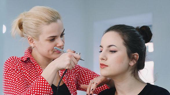 makeup-airbrush-NWPMTGP.jpg