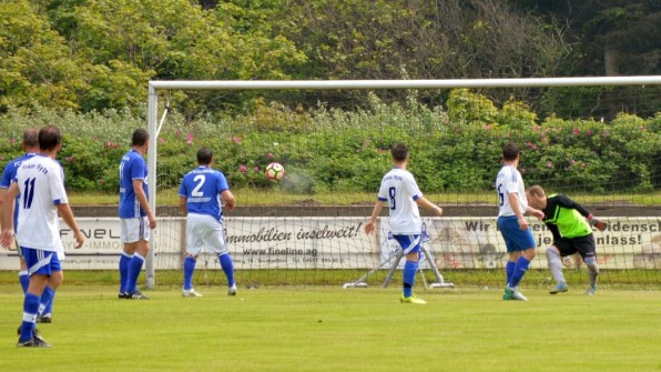 Voller Einsatz gegen Schalker Altstars